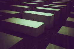Berlin-Holocaust-Memorial-13