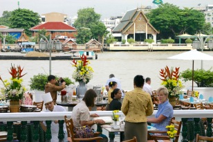 Nancy Bangkok & Sukothai 001